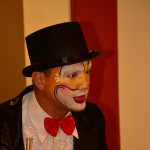 goochelaar met clown look